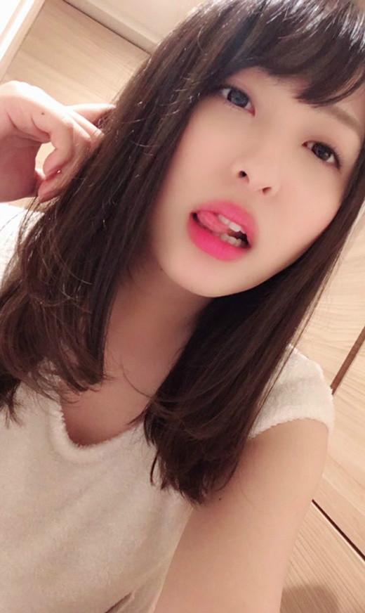 秋山祥子出道九周年 E罩杯AV女优性感魅力惊人
