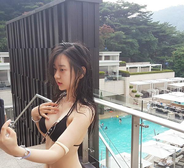 韩国辣模申才恩 性感私房照令人想入非非