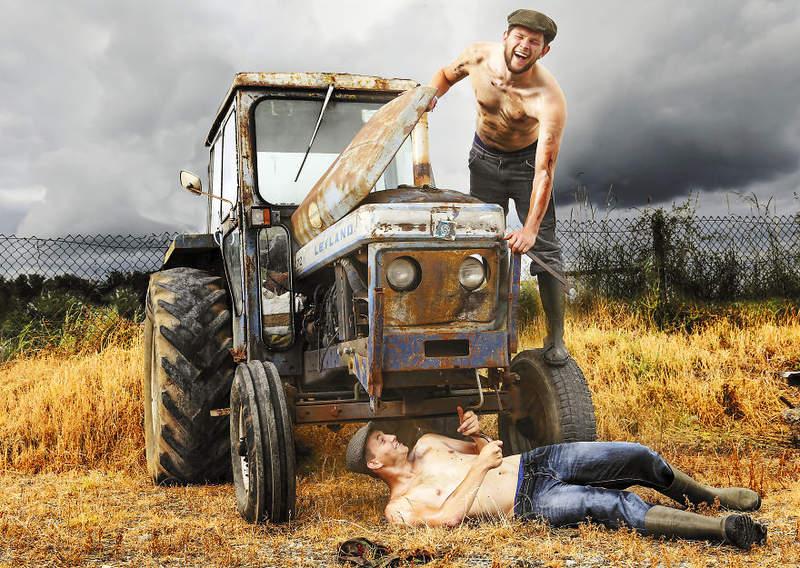 爱尔兰性感农夫月历 型男半裸种田令人赏心悦目
