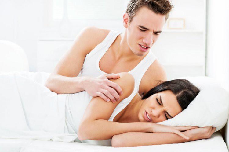 在床上像死鱼,怎么挑逗都没反应!5关键分析为何男人对你提不起性致