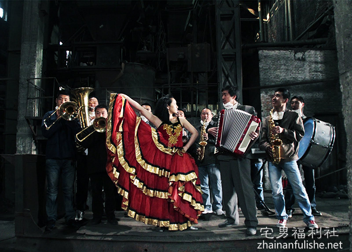 《钢的琴》:奏不出的胜利乐章。