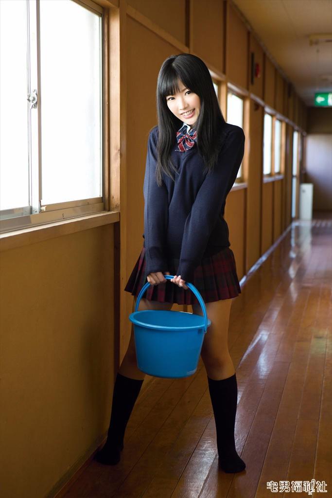 藤田恵名:为了唱歌这个梦想,她毅然脱衣