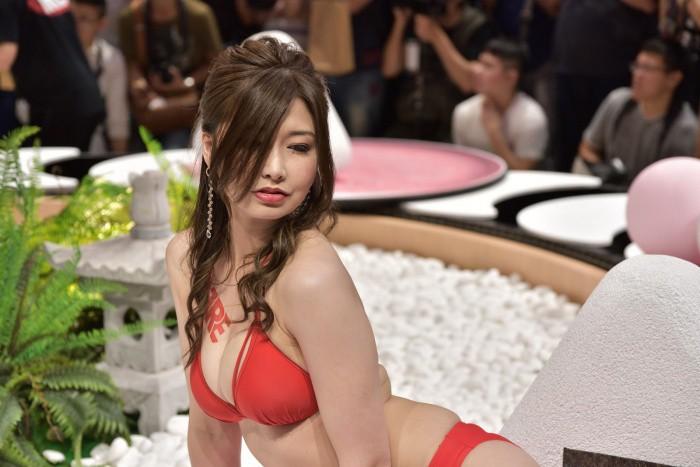 2019TRE女优速写(7) – 毛遂自荐的三浦歩美