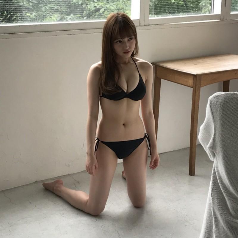 小室さやか性感写真 诱人事业线深不可测