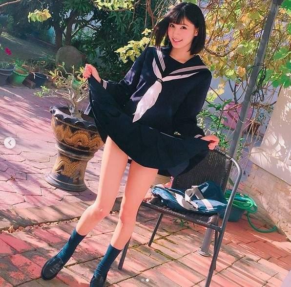 圣诞女郎彩川日奈望(彩川ひなの)F罩杯写真女星娃娃音令人浑身酥麻