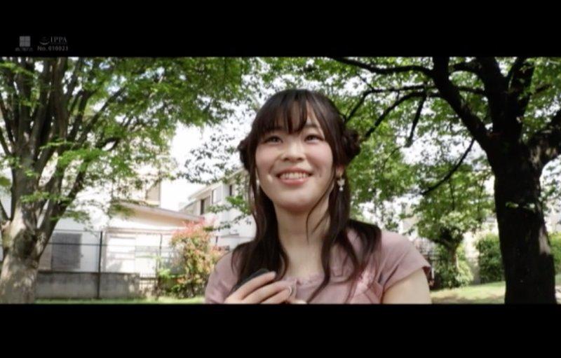 在珍珠奶茶店打工的女孩 四叶纱奈用骑乘位把男优征服了