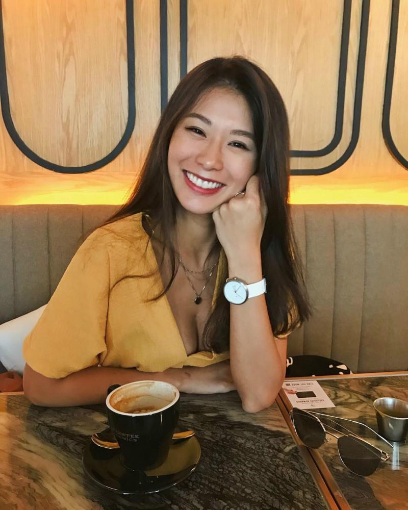 比基尼美女Ayu wong 阳光甜美笑容治愈人心