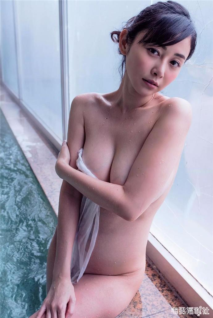 G奶女帝杉原杏璃再度半裸出镜拍摄写真