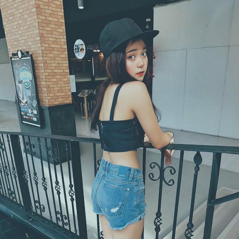泰国网红时尚正妹Ponsawan 不卖弄性感吸粉百万