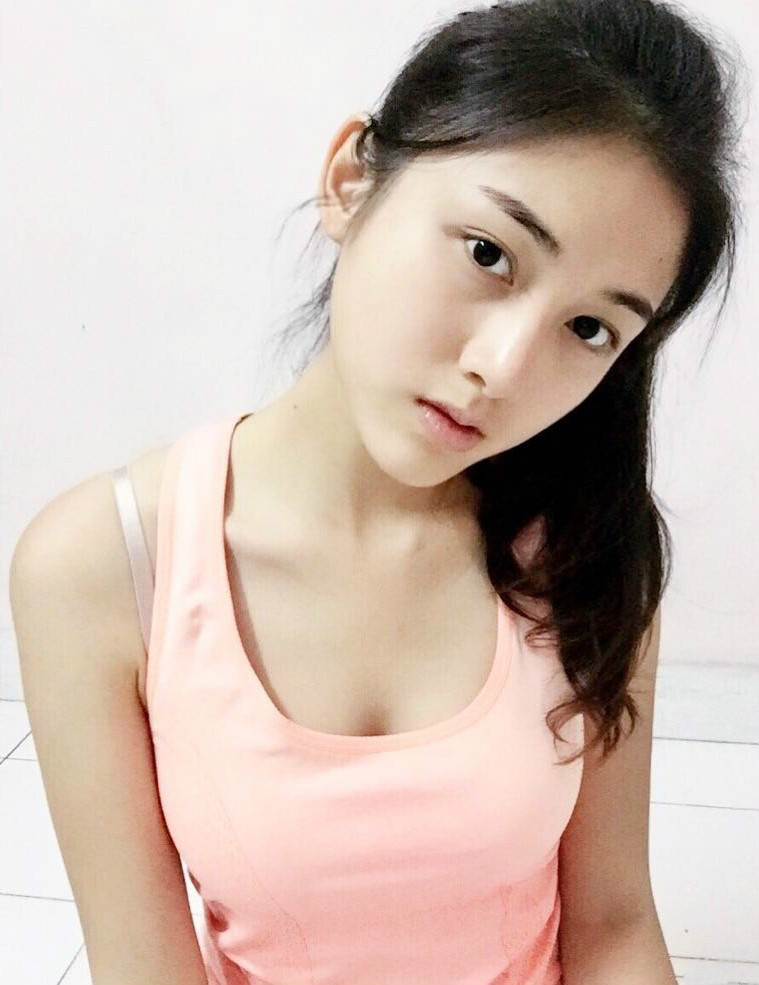 长发正妹Fiona 清新甜美神似TVB女神钟嘉欣