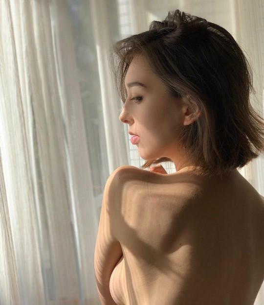 """混血美女Sharnie Fenn 与众不同被当""""怪女孩"""""""