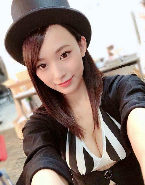 魔术师正妹御寺雪Terashi 美女穿上性感比基尼判若两人