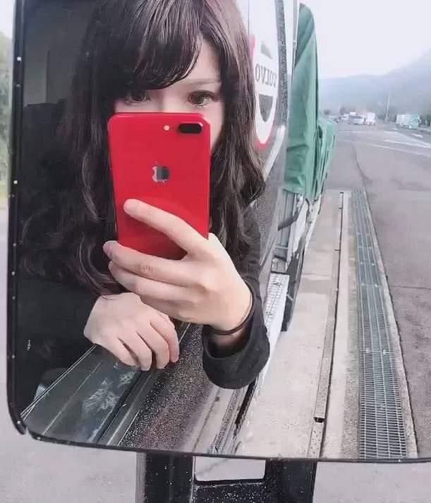 """日本美女司机佐佐木梨乃 """"卡车界的娜美""""身材性感火辣"""