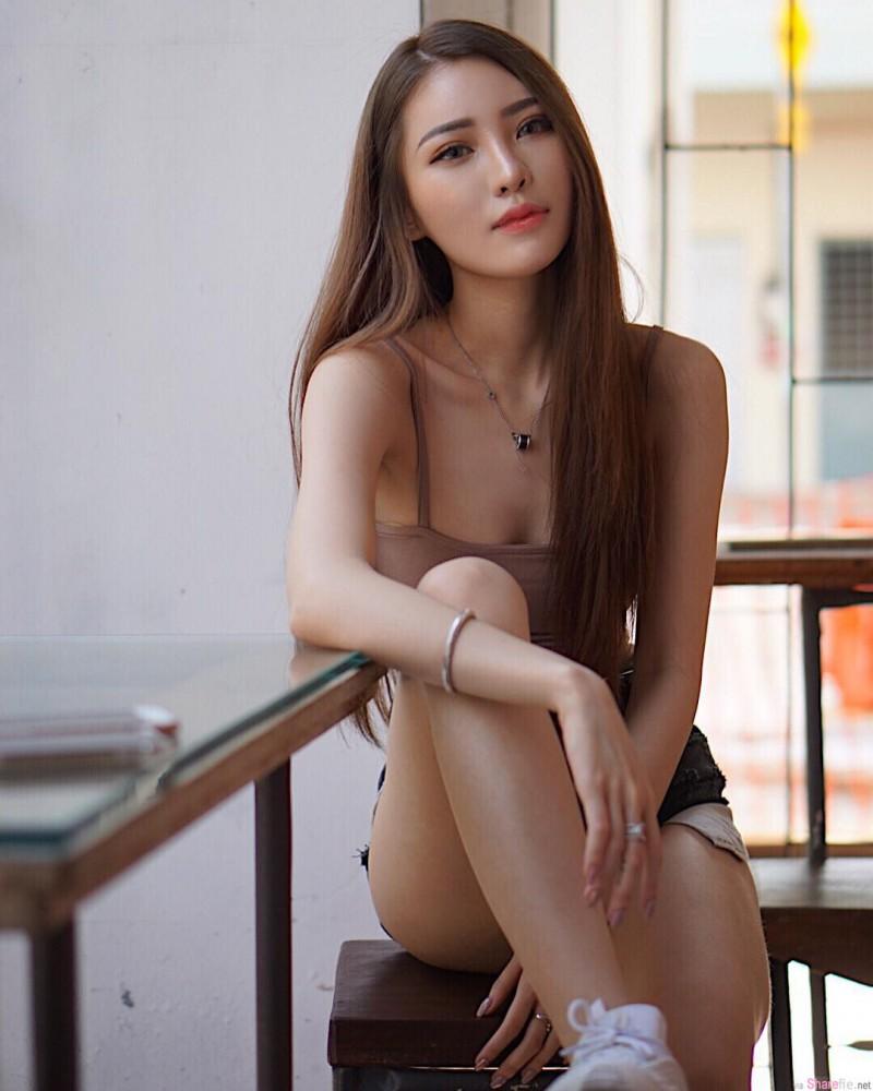 女模正妹Jenn曾薇仪 纤细修长性感美腿撩动你心