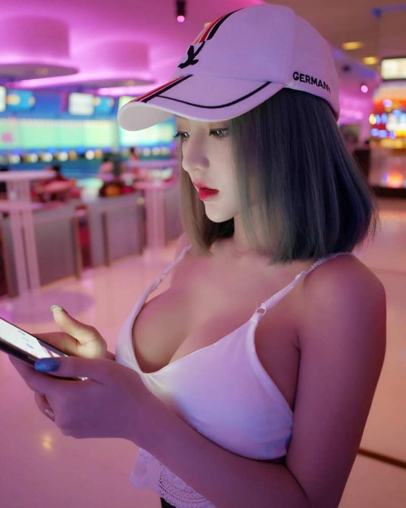 泰国DJ正妹Thitiworada Janjring 辣妹超胸器的诱惑