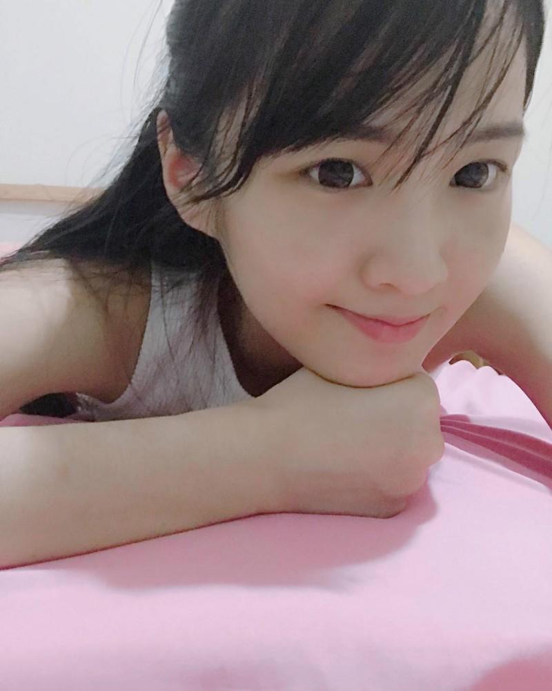 网红正妹诗儿Shi Ori神似玉女掌门周慧敏 清新甜美笑容迷人