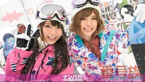 滑雪胜地碰到两名可爱素人!