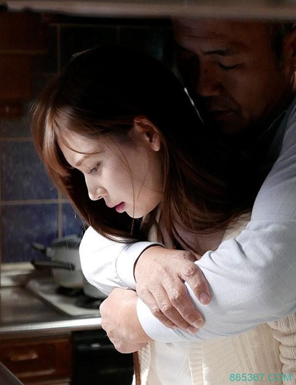 ADN-210: 明里紬最新番号,清纯嫩妻堕入继父的强暴地狱!
