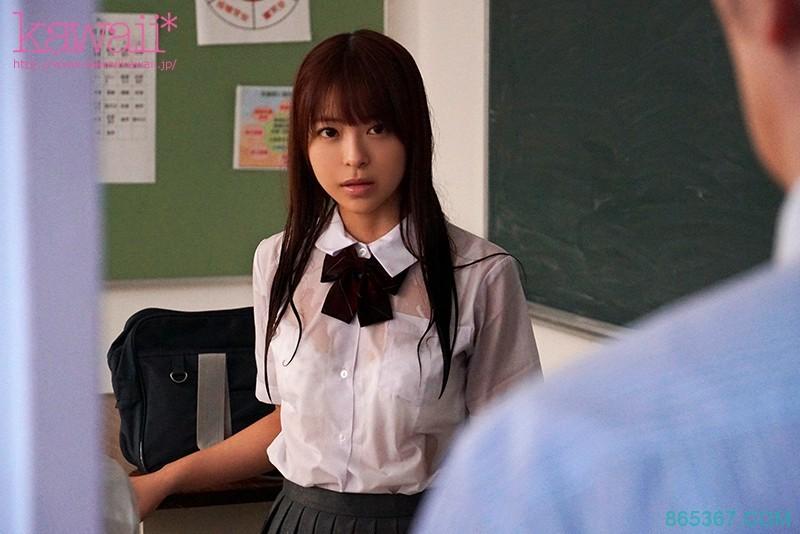 CAWD-090:娇小学生妹樱萌子嘴巴裡塞满了老师的肉棒!