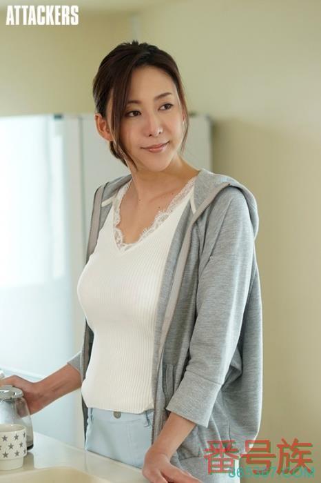 3个月没有新片,松下纱栄子近况解密!