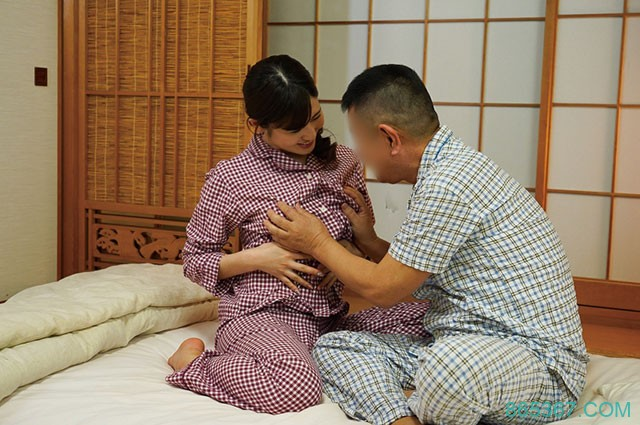 NACR-235: 巨乳后母春香未来以意想不到的方式行事…