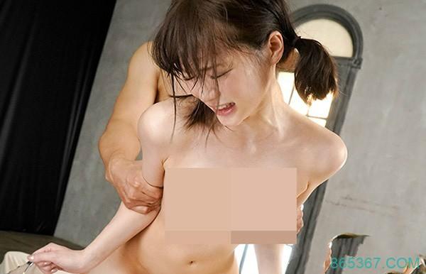 ABP-829: 淫荡女友铃村爱里在床上淫水喷发无人能及!