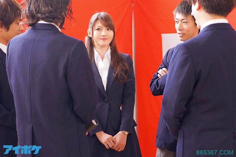 IPX-494:在毕业典礼上美丽女老师相泽南被学生屈辱轮姦!