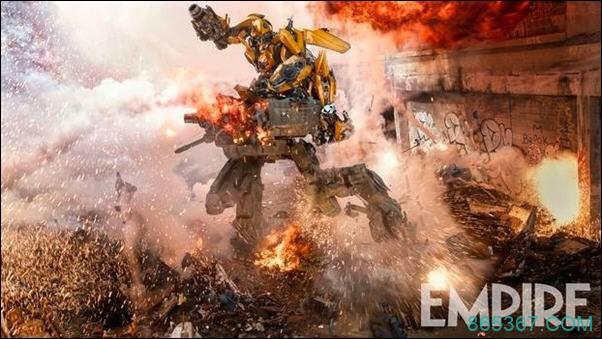 《变形金刚5》再曝剧照,大黄蜂对战巨型机甲燃爆世界