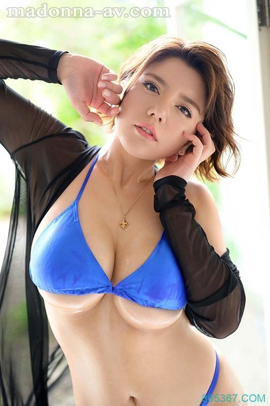 JUL-010:妖艳熟女八神沙织的神乳美尻让人目眩神迷。