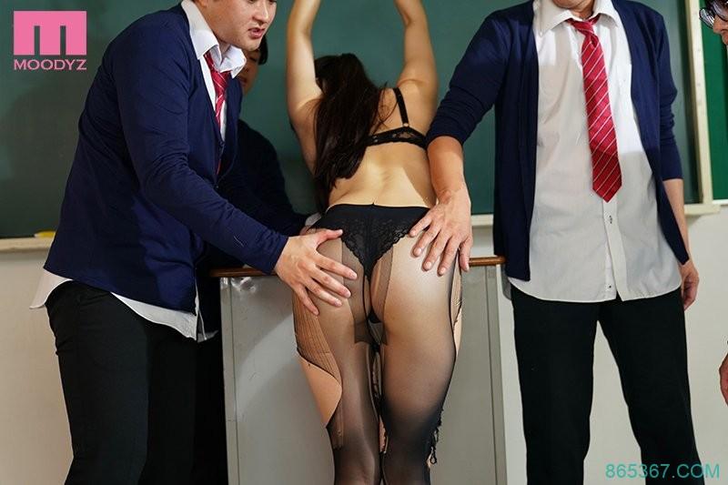 MIDE-837:巨乳女教师高桥圣子承受一轮又一轮的肉棒衝击