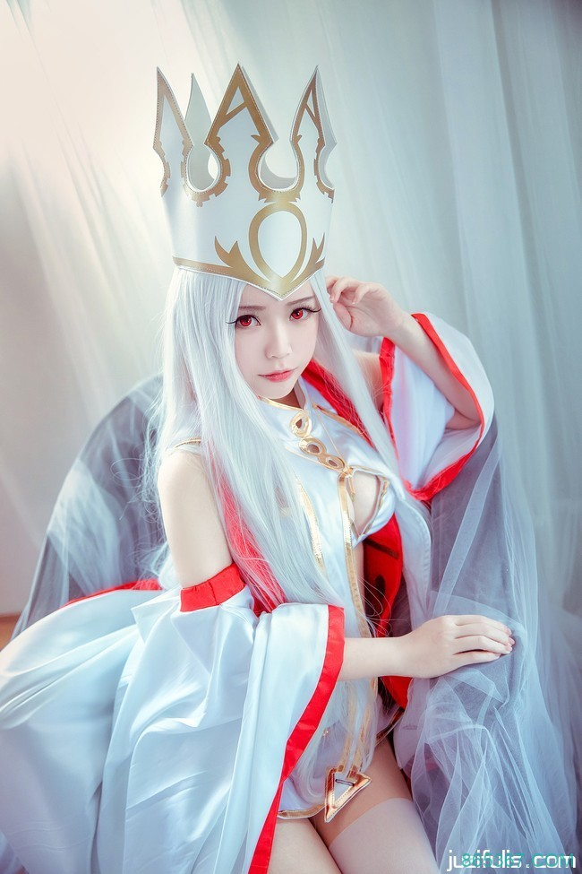 【cosplay 福利】COS 白丝女王霸气十足