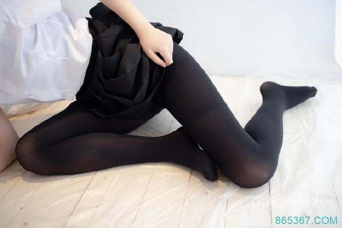 「妹子图」不愿意透露更多的丝袜美腿小姐姐