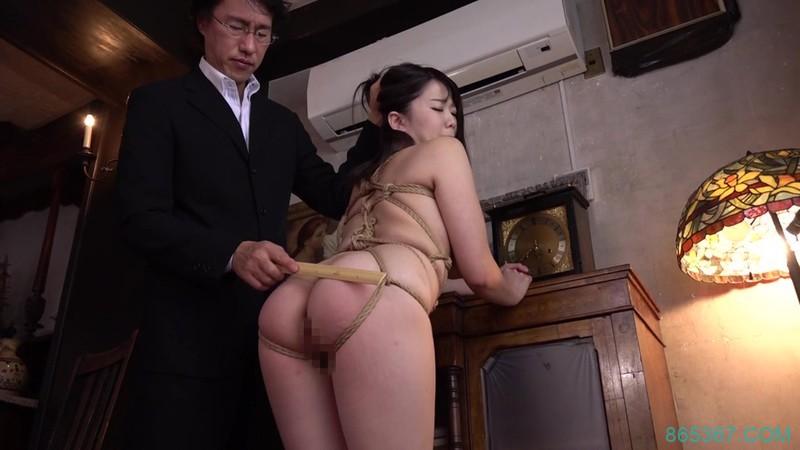 USBA-015:肉感巨乳女学生佐知子接受了伯父的鸡进教法!