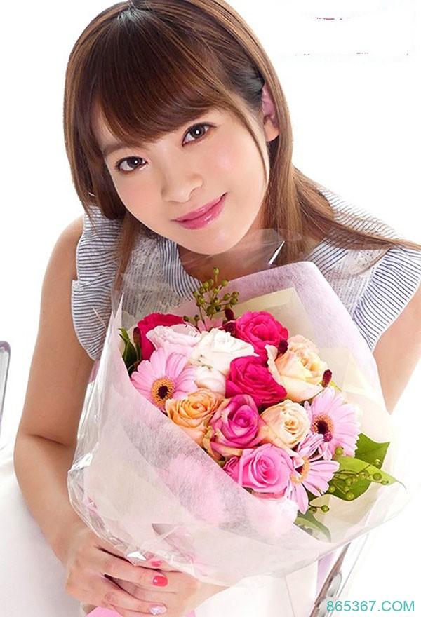 KAWD-958: 招牌美少女出道一周年送福利,美少女偶像樱萌子手口并用大战二十名粉丝!