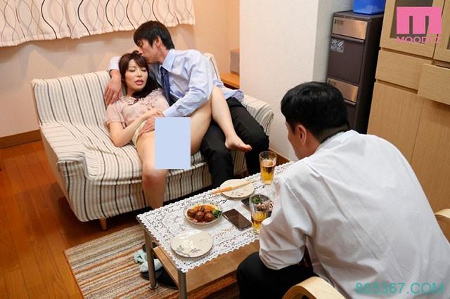 MIAE-003:樱井彩和本田岬玩玩夫妻互换,闺蜜一起双飞!