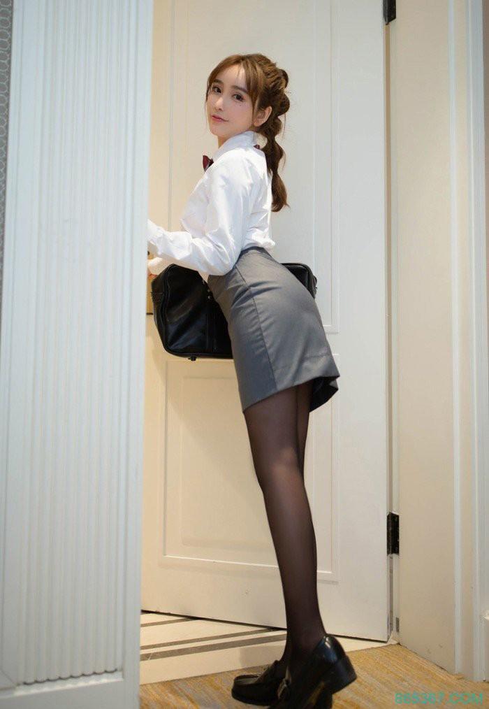 中国女人黑丝诱惑OL制服美女亚洲清纯国产性感少妇套图