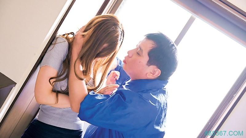 从良人妻 夏希まろん 在老公面前被强暴
