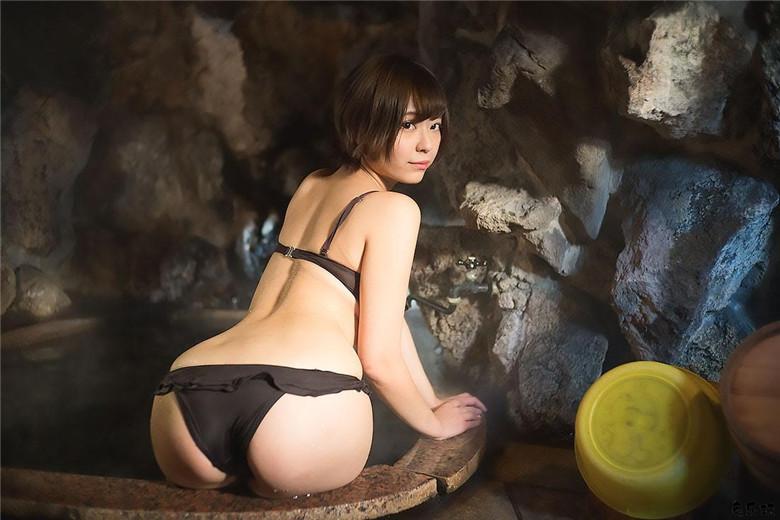 江湖人称股间女王!日本写真界萌妹子小日向结衣浴室写真再现江湖!