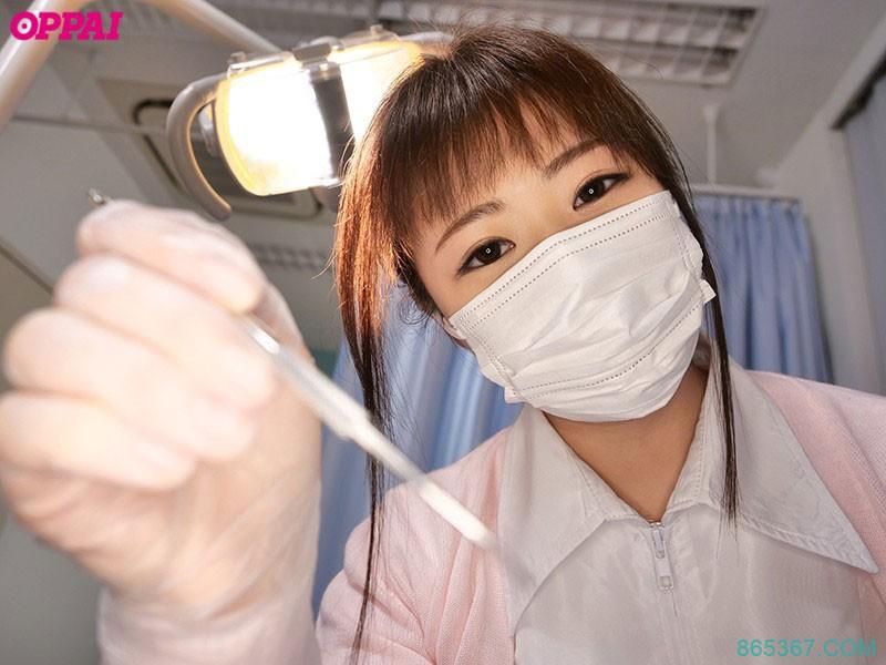 解密!那位在牙科诊所上班、脑袋里都是邪恶思想的H罩杯大奶护士长这样! …