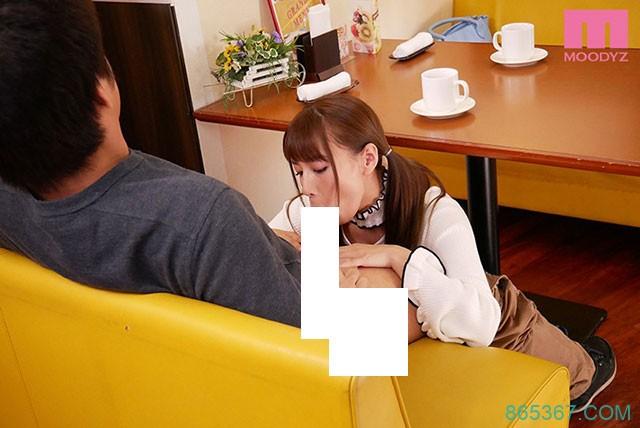 MIDE-655 :初川南公然坐到客人上面,偷偷进入彼此的身体进行运动!