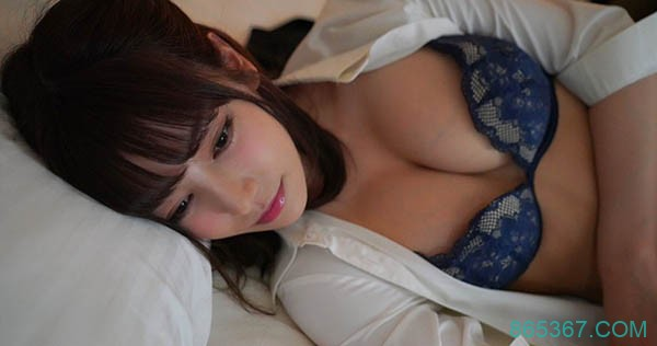 "IPX-466 :婊子妹妹""枫花恋""故意走光诱惑,偷吃姐姐男友!"