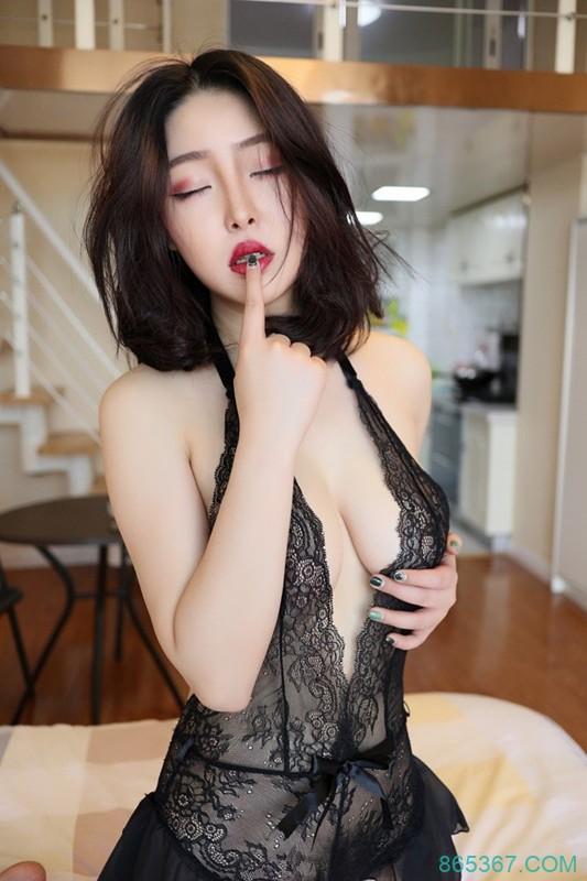 红唇少妇Demon瑶瑶寂寞难耐欲欲望满身床上等你!