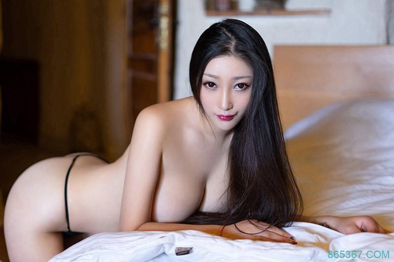 性感御姐酒店私房写真,蕾丝内衣长腿网袜巨乳娇喘中露出诱人神情