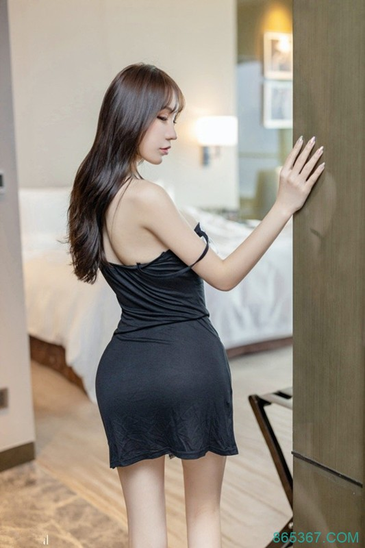 情趣SM满足男人的撕扯欲望 !性感尤物周于希被绑在床任你处置 。
